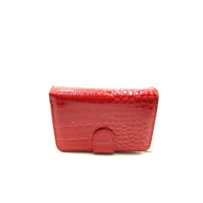 Czerwony lakierowany portfel